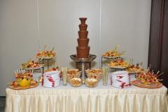 Чоколадни фонтани и торти